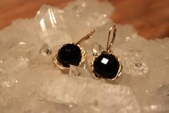 gouden oorbellen met onyx